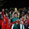 Les copes d'Europa i del Món guanyades per la selecció espanyola de futbol, visiten Castelldefels