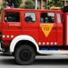 Sis intoxicats lleus per inhalació de fum a causa d'un cotxe incendiat a Viladecans