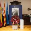 Centenars de persones donen l'últim adéu a Chacón a l'Ajuntament d'Esplugues de Llobregat