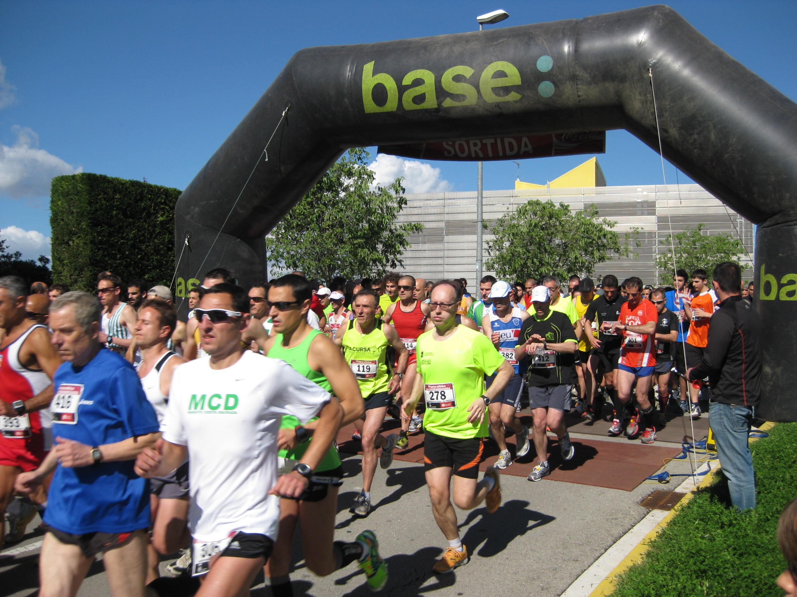Tret de sortida 9a cursa atlètica Vila d'esparreguera